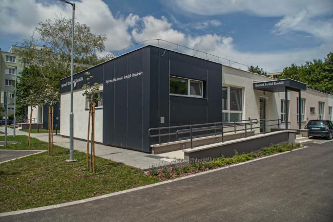 Szeged, Gáspár Zoltán utca 7/C. alatti óvodaépület orvosi rendelőépületté történő átalakítása